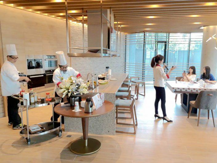 林芷儀 營養師 搭配 廚師 教導 居家 日常 容易 執行 的 營養料理